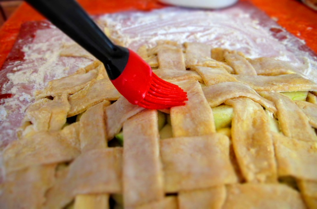 make your pie crust shiny and delicious with milk and sugar